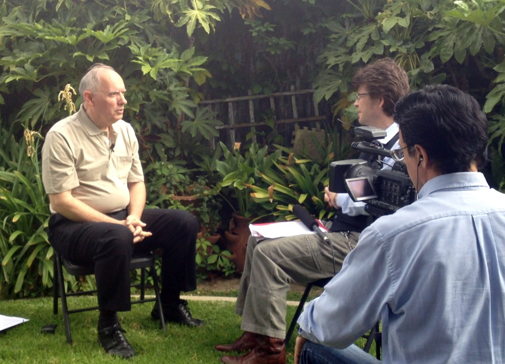 Whitcomb is interviewed for television and opposes shooting a pterosaur